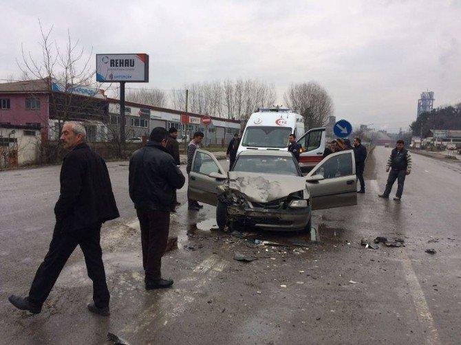 Bartın'da trafik kazası: 2 yaralı