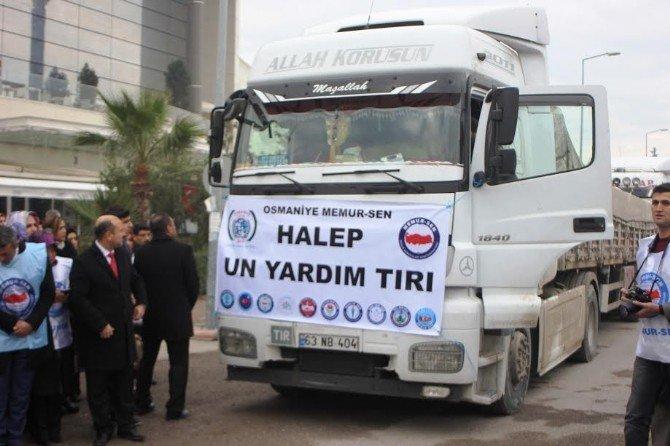 Halep'ten tahliye edilen Suriyelilere 100 ton un yardımı