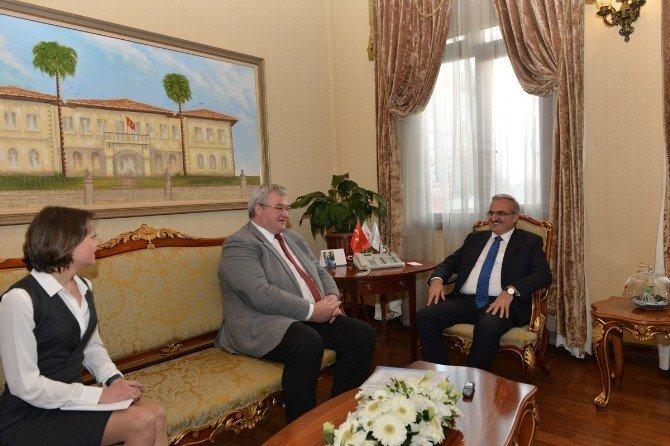 Ukrayna Büyükelçisi Sybiha Vali Karaloğlu'nu ziyaret etti