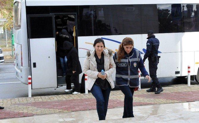 Alanya'da FETÖ'den gözaltına alınan 26 şüpheli adliyeye sevk edildi