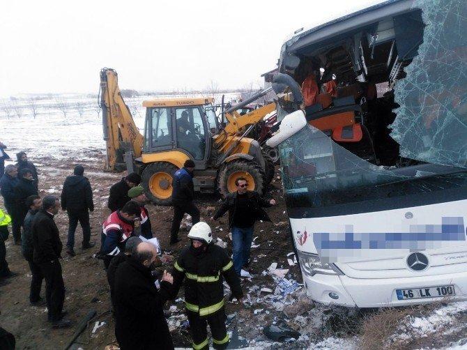 Otobüs kazalarında yaralı sayısı 48'e çıktı