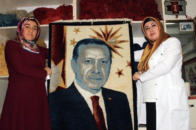 Cumhurbaşkanı Erdoğan'ın resmi ilmek ilmek dokundu