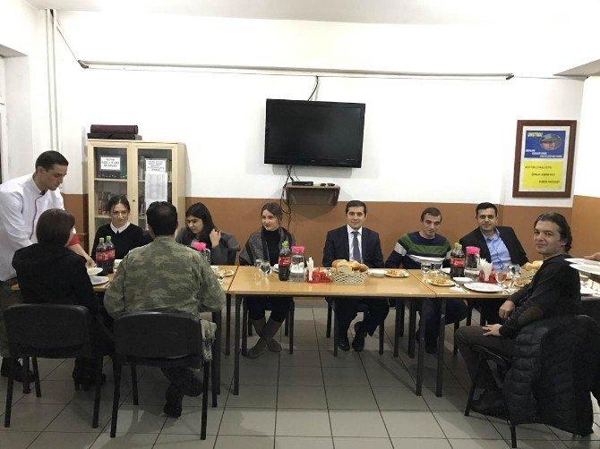 Tutak'ta emekliye ayrılacak koruculara veda yemeği