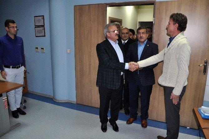 Antalya Valisi, MOBESE merkezinden Antalya'yı izledi