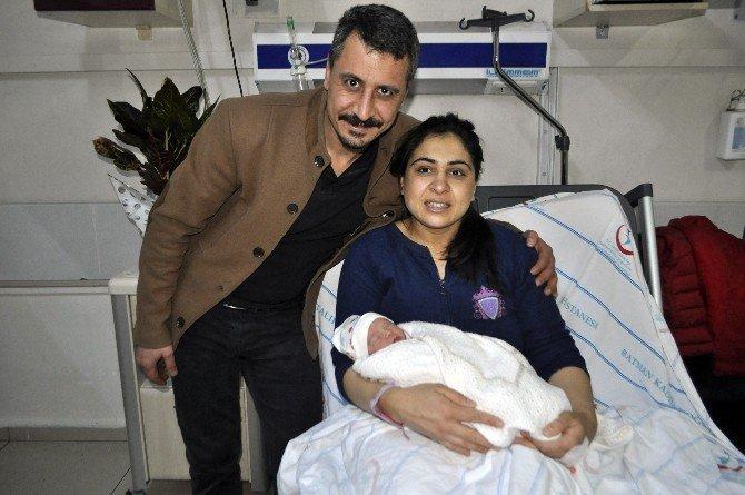 Batman'da yılın ilk bebeği Melek oldu
