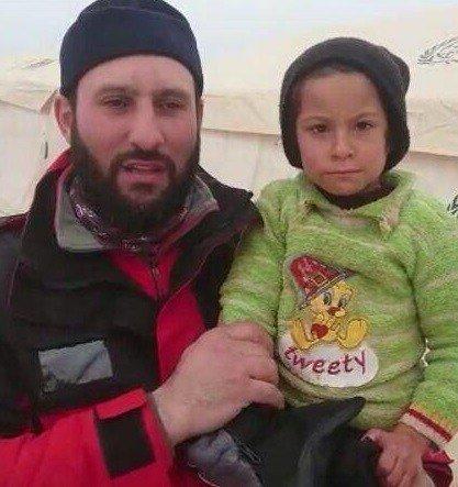 5 yaşında kızını kaybetti, onun kıyafetleri Halep'li çocuğun yüzünü güldürdü