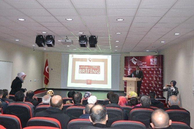 """Erzurum'da """"Koruyucu Aile Hizmeti"""" semineri"""