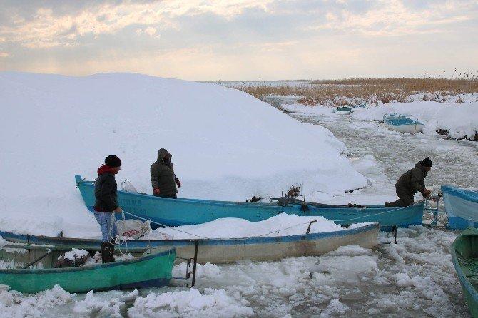 Beyşehir Gölü tamamen donarsa onlar da tatile çıkacaklar