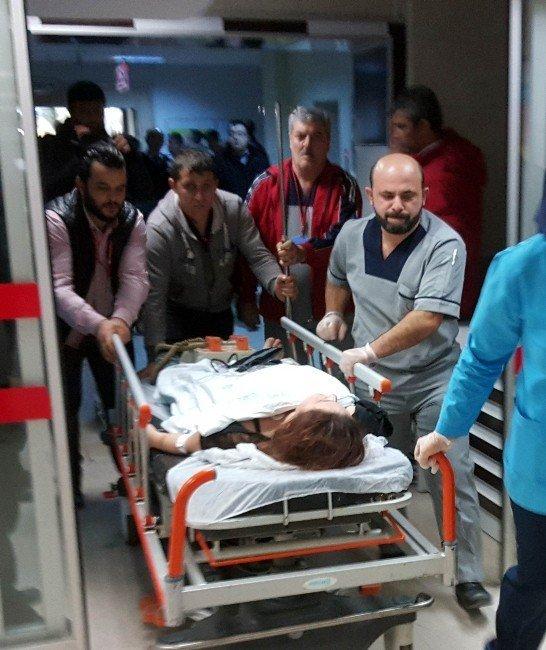 Hastanede bıçaklı dehşet: 1 yaralı