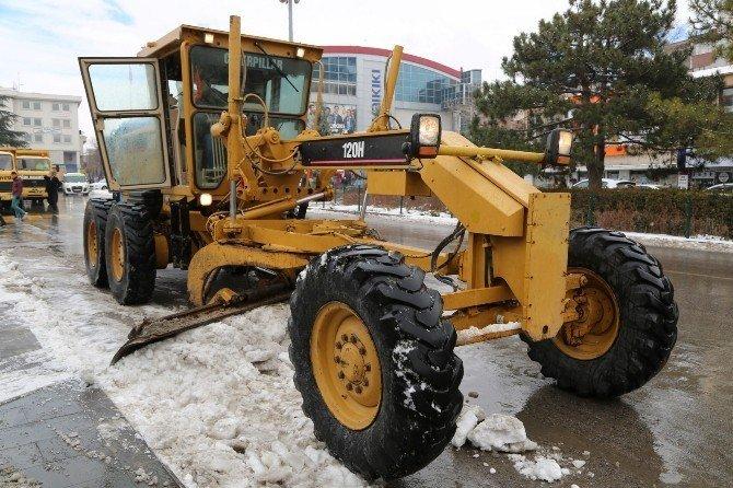 Karla mücadele aralıksız sürüyor