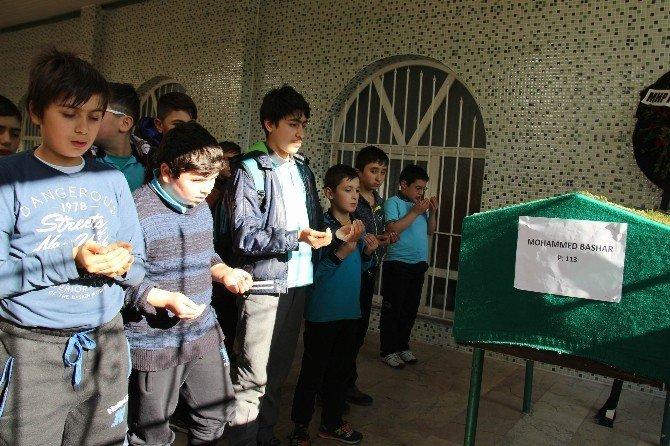 Kazada ölen 2 Iraklı çocuğa gözyaşı