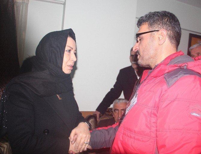 AK Partili Çalık, şehit polis Fethi Sekin'in ailesini ziyaret etti