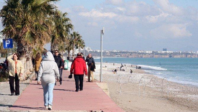 Antalya'da kış güneşi
