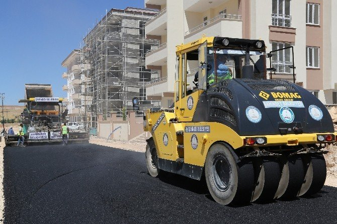 130 bin ton asfalt 166 bin metrekare kilit taşı yapıldı