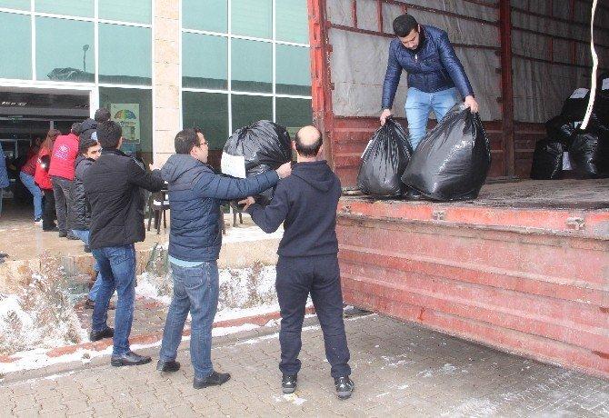Elazığ'dan Halep'e 2 tır yardım