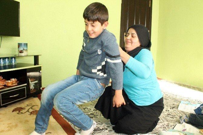 10 yaşındaki Serhat'ın tek hayali top oynayabilmek