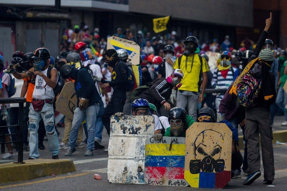 Venezuela'da hükümet karşıtı protestolar 50. gününde