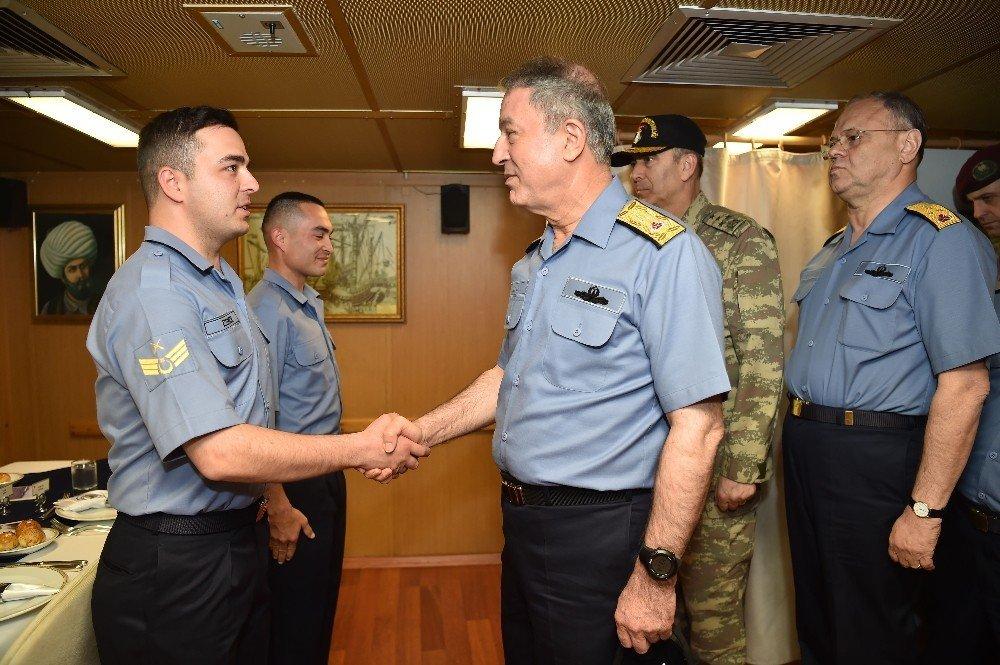 """Genelkurmay Başkanı Orgeneral Akar, """"Denizkurdu 2017"""" tatbikatını yerinde izledi"""