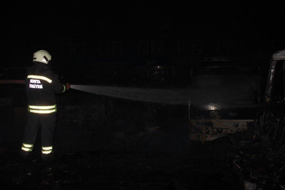 Konya'da otobüsler alev alev yandı