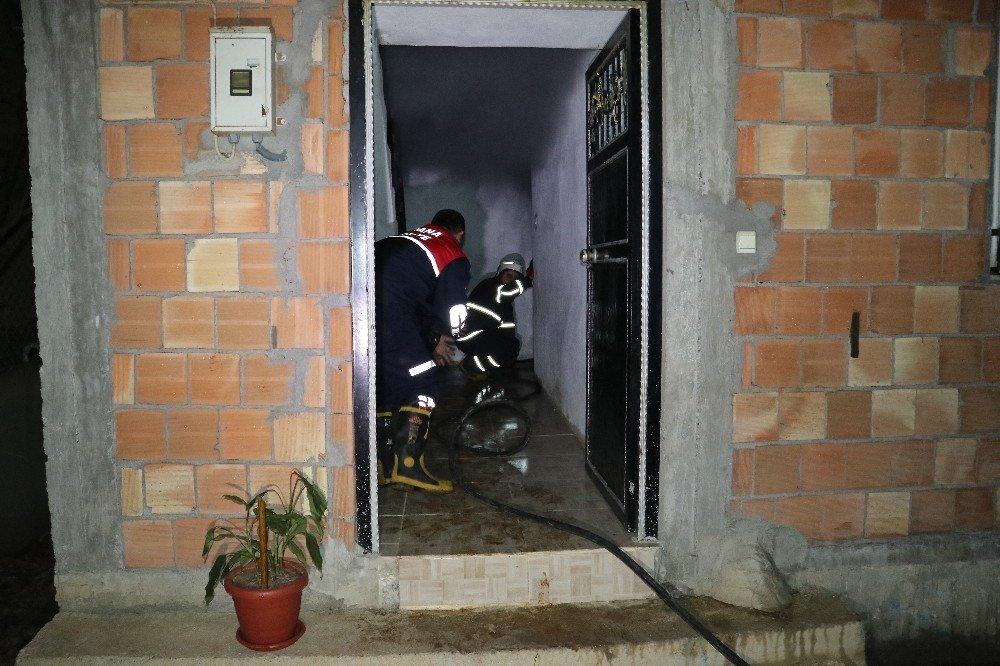 Husumetli Olduğu Kişiler Tarafından Evi Kundaklandı Husumetli Olduğu Kişiler Tarafından Evi Kundaklandı ile ilgili görsel sonucu