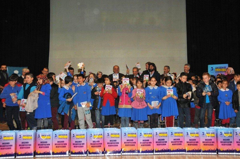 Akşehir Belediyesi'nden 55 bin liralık kitap desteği