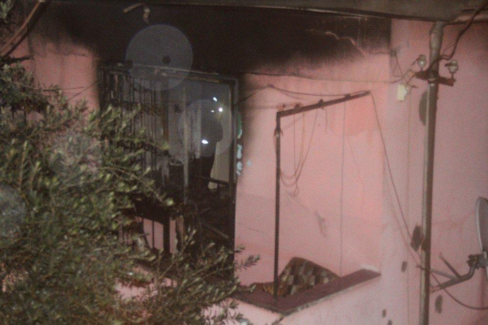 Evde mahsur 83 yaşındaki adam yanarak can verdi