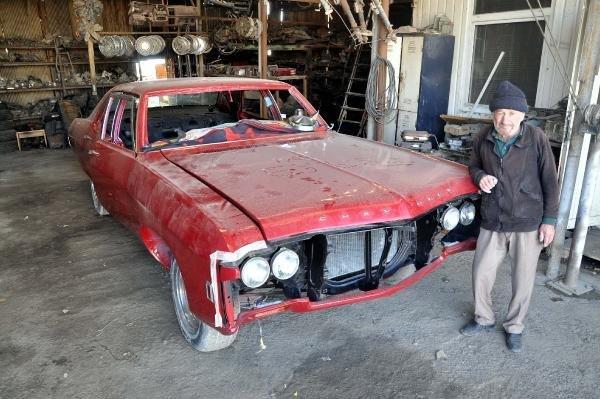 1969 model otomobiline hayat vermek için 50 bin lira harcadı