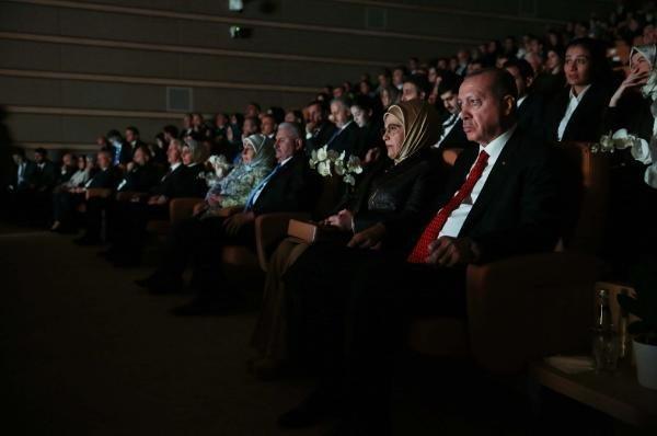 Cumhurbaşkanı Erdoğan Gurbet Kuşları Belgesli'nin galasına katıldı