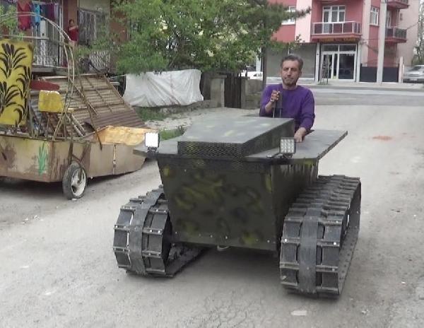 Hurda parçalarından tank görünümlü arazi aracı yaptı