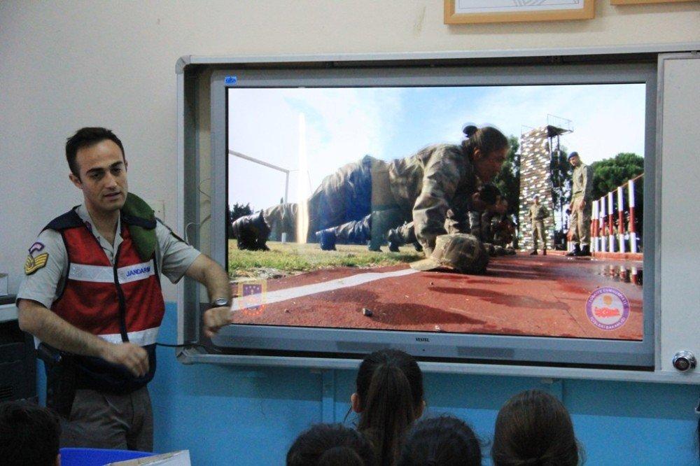 Jandarma'dan uygulamalı trafik eğitimi