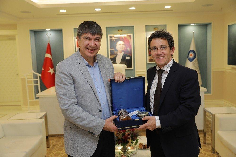 Akdeniz Kentler Birliği'nden Türel'e ziyareti