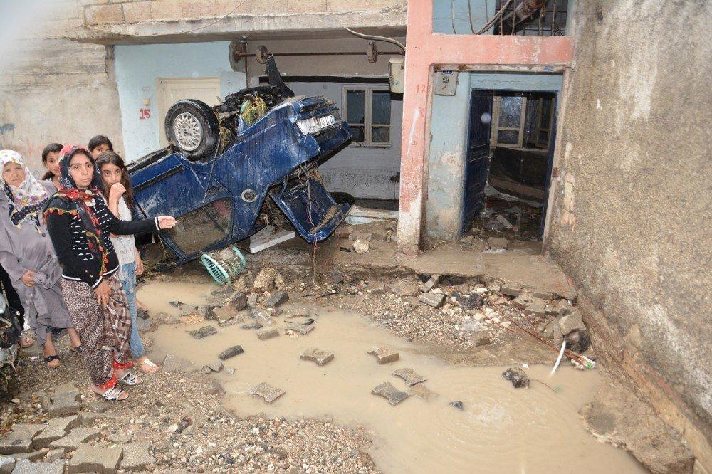 Birecik'te sel felaketinin yaraları sarılıyor