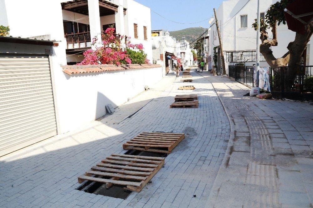 Bodrum'da yol yapım çalışmaları sürüyor