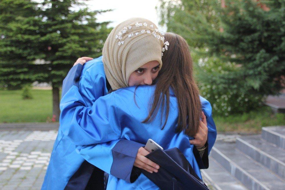 Domaniç Hayme Ana MYO'da mezuniyet sevinci