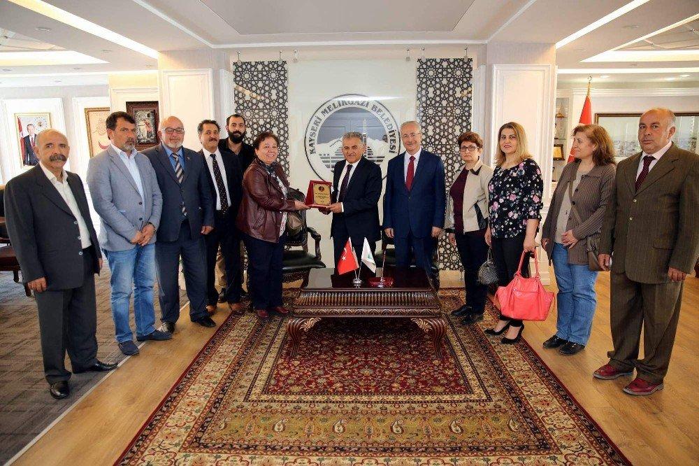 Hacı Bektaş Veli Derneği ve Vakıfı yönetiminden Başkan Büyükkılıç'a ziyaret