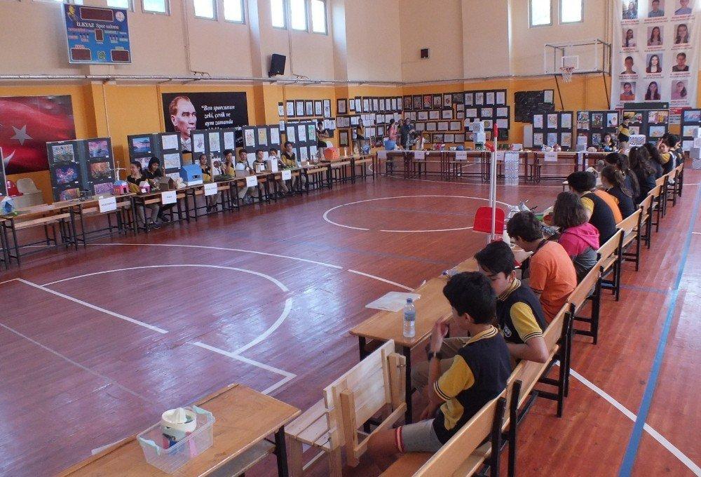 Milas'ta öğrencilerden sergi, velilerden kermes