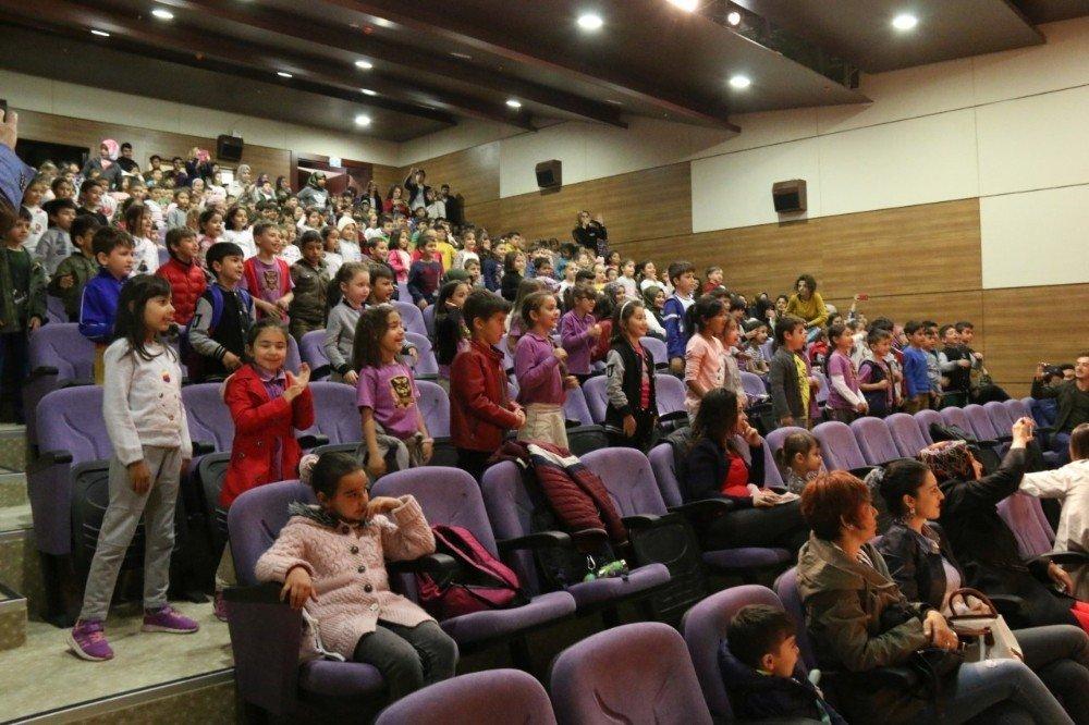 NEVÜ'de çocuk tiyatrosu sergilendi