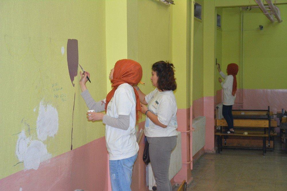 PAÜ Ateş Böceği Topluluğu köy okullarına umut oldu