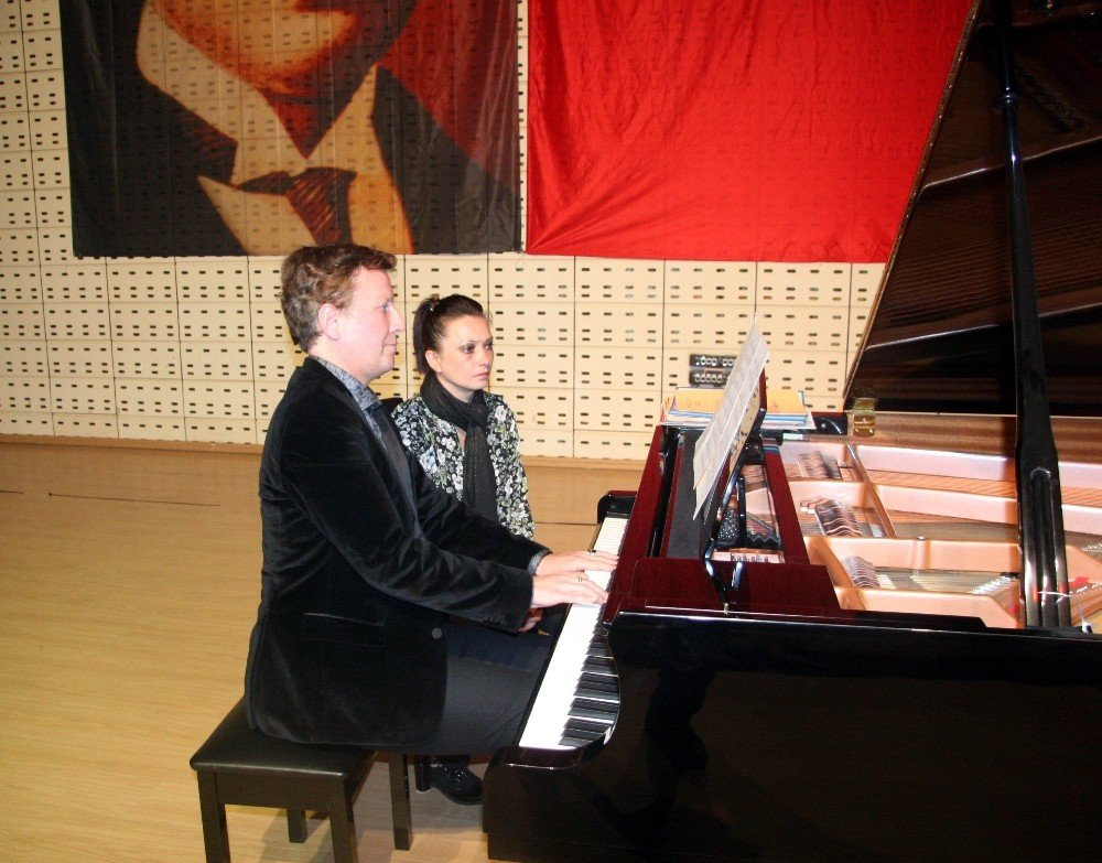 Ünlü Fransız piyanistten Fransa'ya tepki
