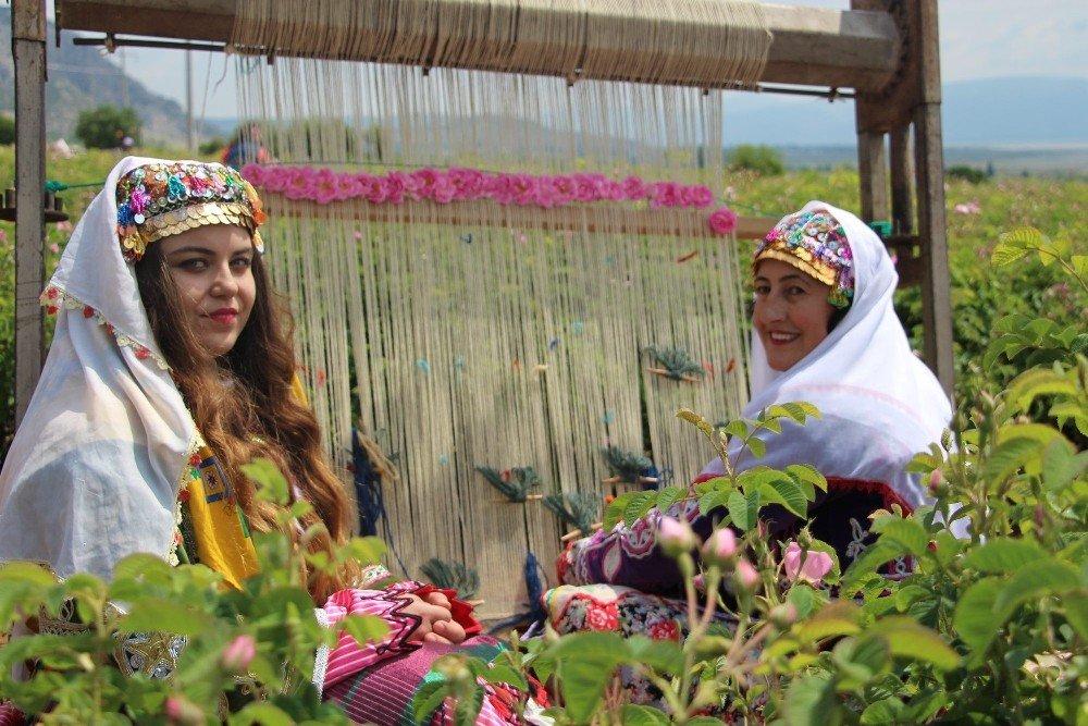 Isparta'da Gül Festivali coşkusu