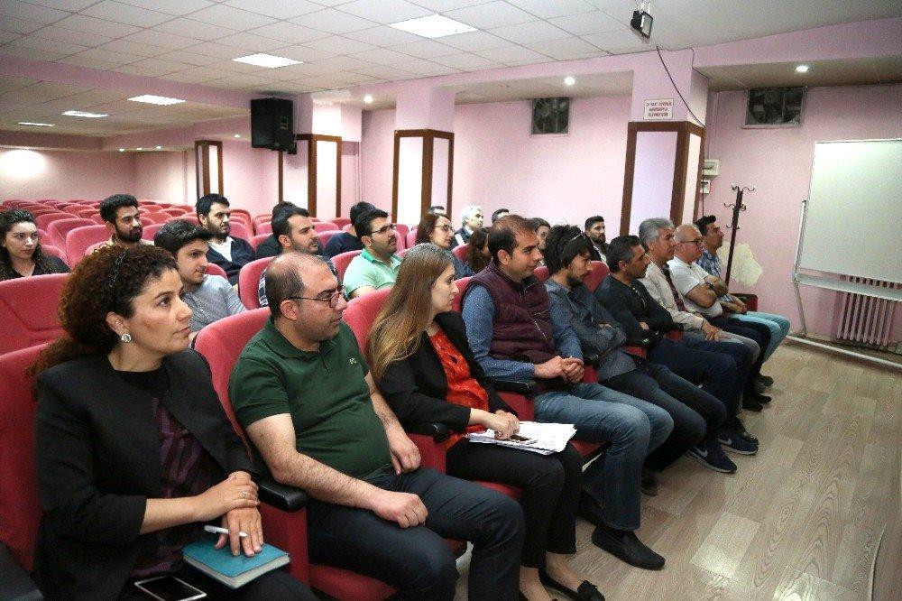 Aksaray Belediyesi inşaat mühendislerine seminer düzenledi