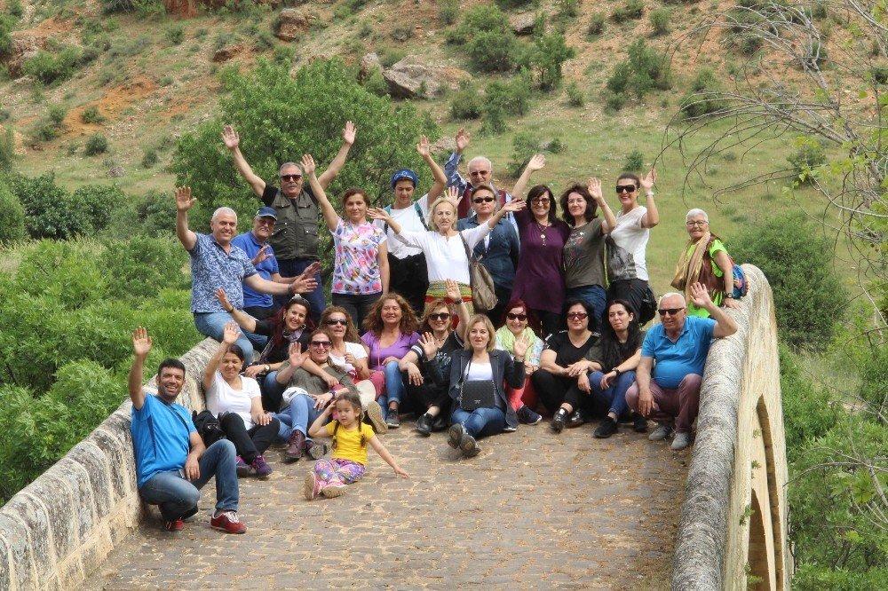 Antalya'dan gelip, Çemişgezek'i gezdiler