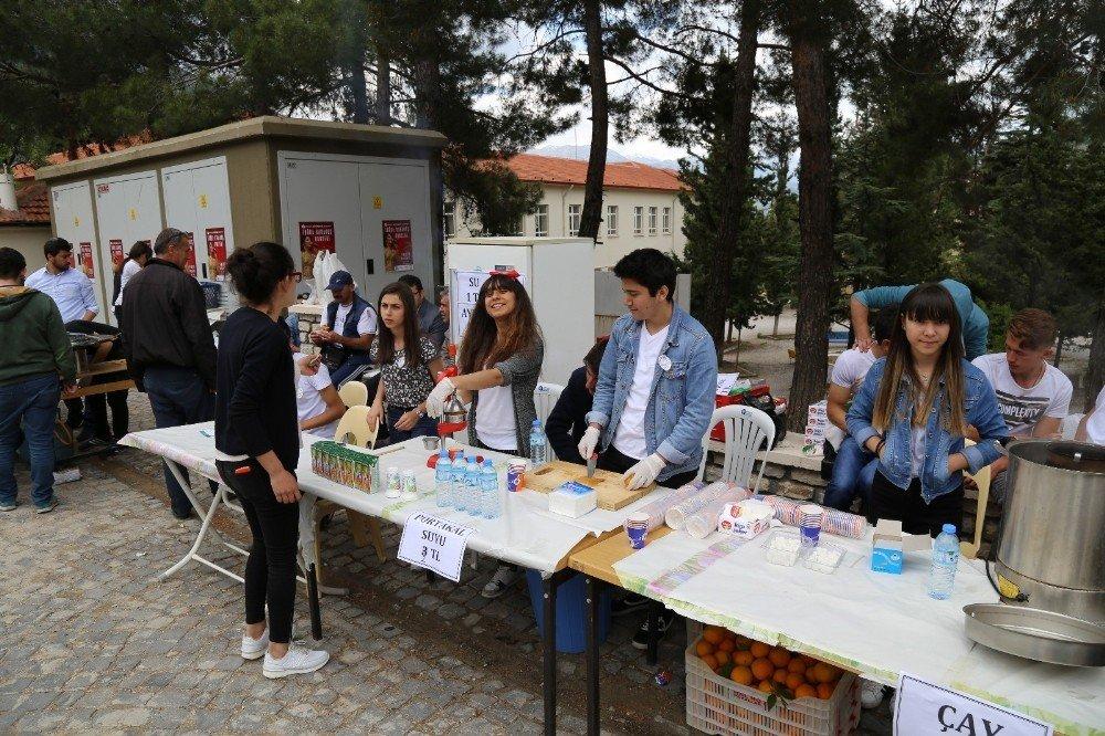 Akseki Anadolu Lisesi bahar şenliği ve kermes düzenledi