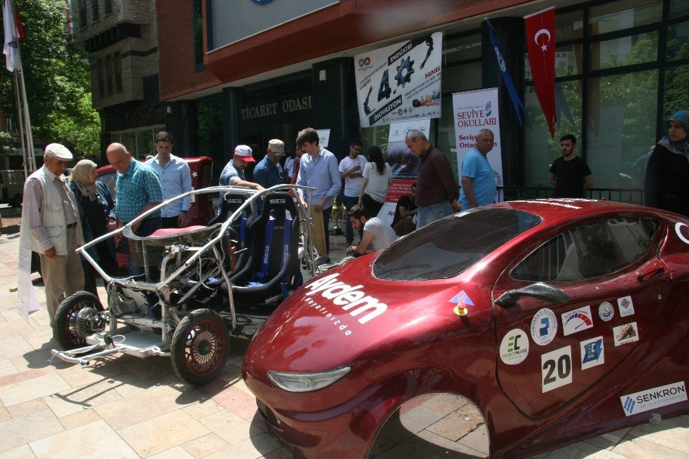 """AYDEM yeni yerli elektrikli otomobili """"Alatay""""ı tanıttı"""