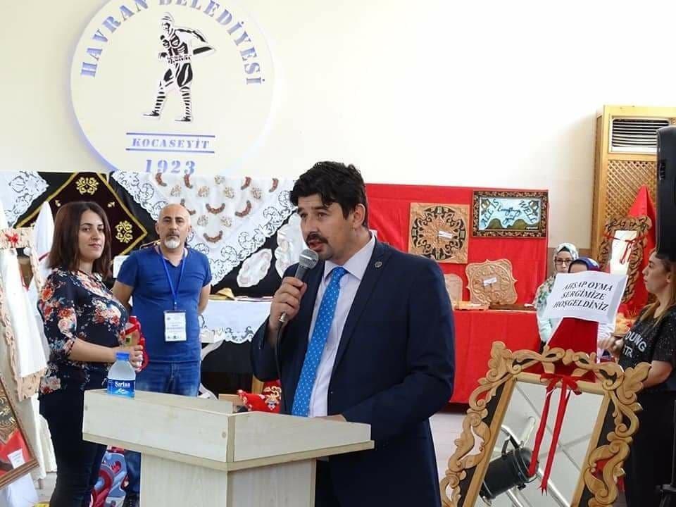 Havran Halk Eğitimi Merkezi geleneksel karma el sanatları sergisi açıldı