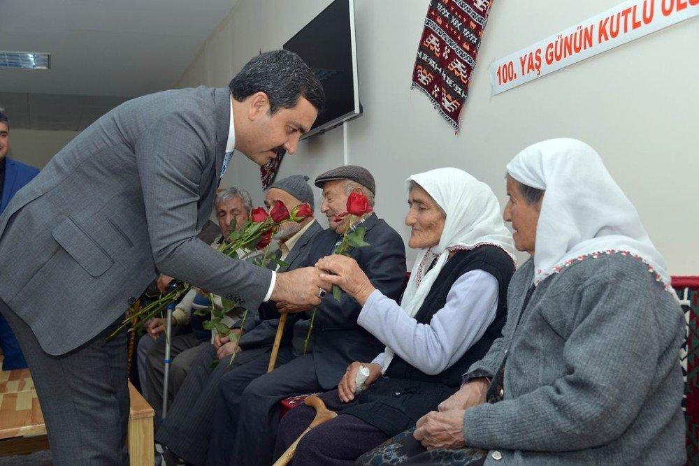 Başkan Bahçeci, huzur evini ziyaret etti