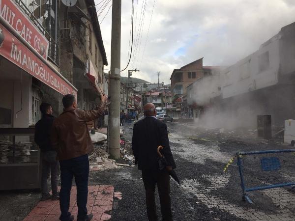 Betüşşebap'ta çürük raporlu cami ve minaresi yıkıldı