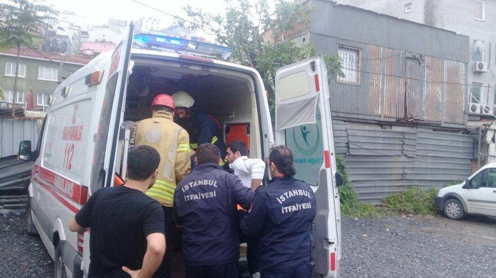 Beyoğlu'nda asansör ikinci kattan yere çakıldı: 1 yaralı