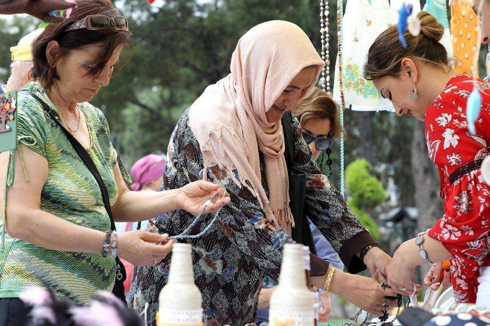 Bucalı kadınlar el emeklerini sergiledi
