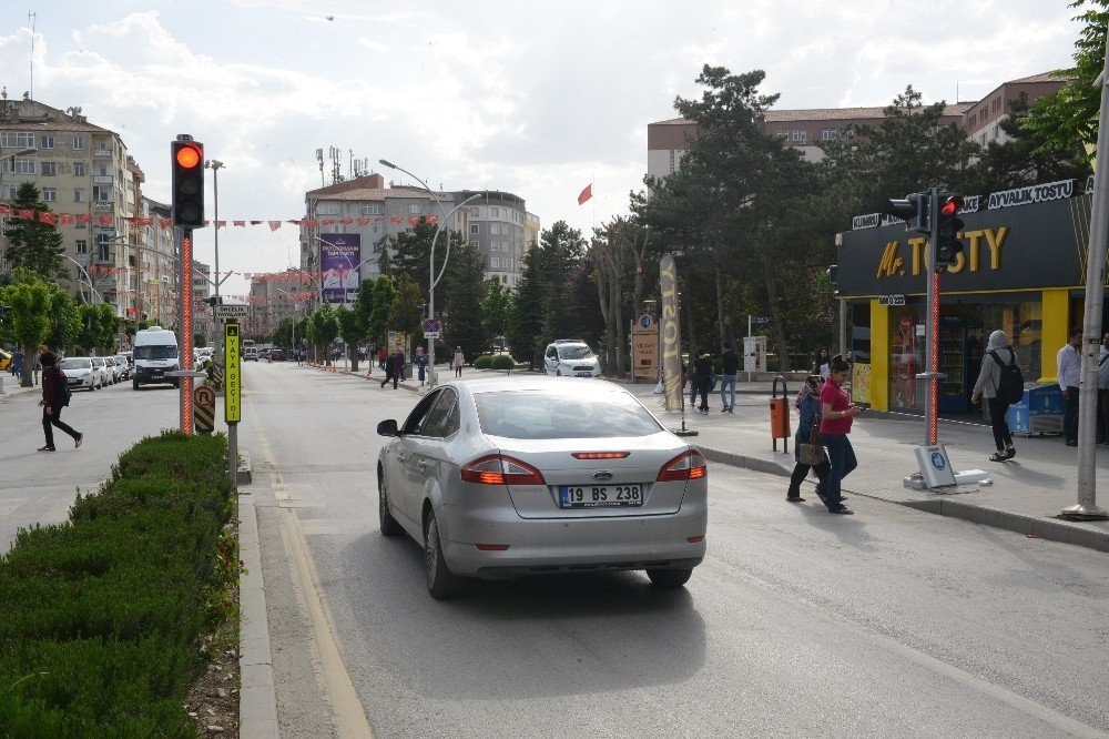 Çorum'da kavşaklara ledli trafik lambası konuluyor